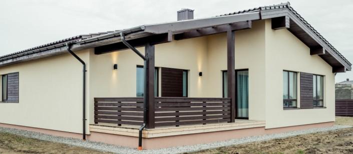 Stoginės arba pakalimo lentos puikiai tinka ne tik pastogių apdailai, bet ir tvorų, terasų tvorelių, balkonų tvorelių montavimui.