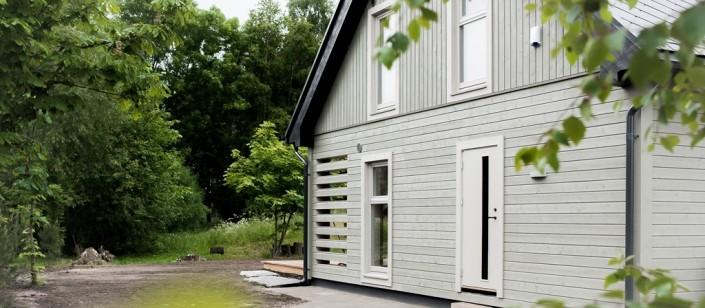 Medenio fasado apdailos dailylentės puikiai tinka karkasinių namų lauko apdailai